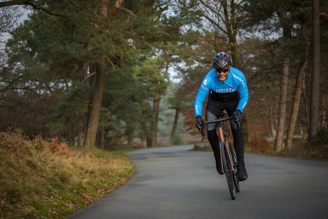 2017_12_01_Sfeershoot Mantel Model Dan en Lisa @ Posbank (RACE)(herfst, winter, BMC Roadmachine 03 Three, Cube Axial Race disc, Bontrager, Giro, Calobra, BBB) 7O7A4698